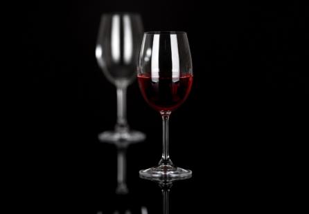 wine glasses on black